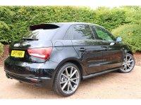 Audi A1 Sportback Black Edition 1.4 TFSI cylinder on de