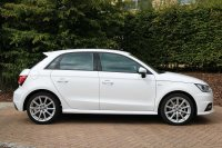 Audi A1 Sportback S line 1.6 TDI 116 PS 5-speed