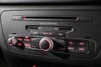 Audi Q3 S line 2.0 TDI 177 PS 6 speed
