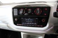 Volkswagen UP 1.0 60 PS 5-speed Manual 3 Door
