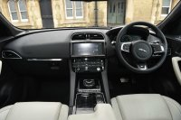 Jaguar F-pace 3.0 V6 Diesel (300PS) First Edition AWD