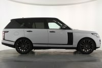 "Land Rover Range Rover 3.0 TDV6 Vogue 4dr Auto, Full Land Rover Service History, Black Styling Pack, Panoramic Sunroof, 22"" Alloy Wheels, Satellite Navigation, Bluetooth with Audio Streaming, DAB Radio, Digital TV, Meridian Sound System, Privacy."