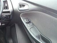 Ford Focus 1.6 Zetec Navigator 5dr