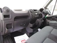 Renault Master LM35dCi 125 Business Medium Roof Van