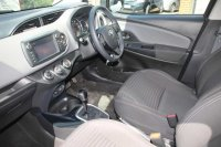 Toyota Yaris 1.33 VVT-i Design 5dr CVT