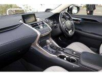 Lexus NX 300H SE