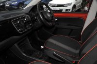 Volkswagen UP 1.0 (75ps) Groove 5-Dr