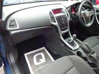 VAUXHALL ASTRA Astra 2.0 CDTi (165ps) SRi Sports Tourer (F & R Parking Sensors)