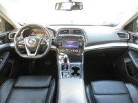 Nissan Maxima LX