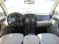 Mitsubishi Pajero MIDLINE