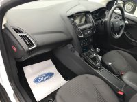 Ford Focus 1.5 T Ecoboost (150 PS) TITANIUM 5 door.