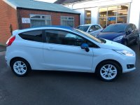 Ford Fiesta 1.25i 16v ZETEC WHITE EDITION 3 door***SAT NAV***