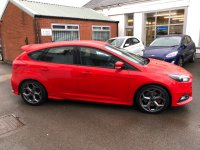 Ford Focus ST-3 2.0 T Ecoboost (250 PS) 6 speed 5 dR*** SYNC3***