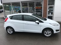 Ford Fiesta 1.0 T ECOBOOST (100 PS)  STOP / START  ZETEC 5 DOOR****LOW MILEAGE***