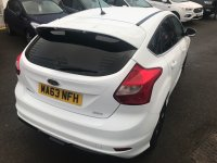 Ford Focus 1.0 Turbo ECOboost (125 PS) ZETEC-S 6 speed 5 door.