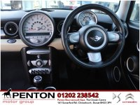 MINI Hatch 1.6 Cooper 3dr - LOADED with FACTORY OPTIONS!