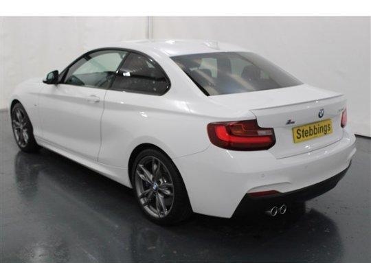BMW 2 Series 20 220D M SPORT COUPE DOOR ALPINE WHITE