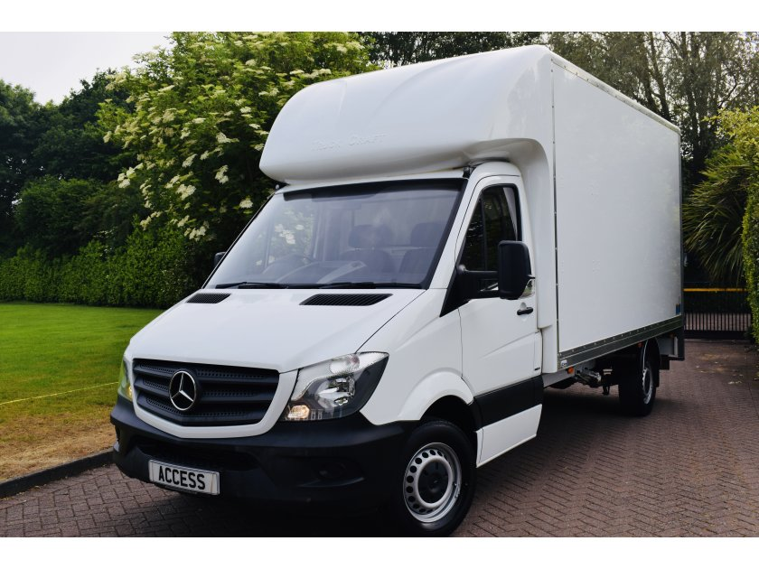 Mercedes-Benz Sprinter 3.5t LUTON WITH TAIL LIFT